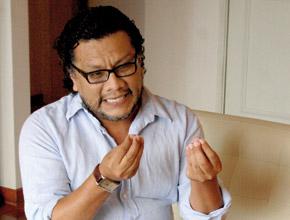 Dr. Tomás Angulo.