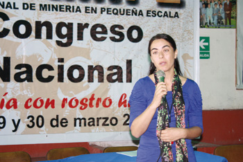 Dra. Paola Flores.