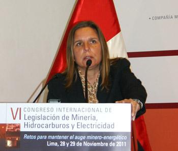 Mónica Byrne, asociada principal del Estudio Rubio, Leguía, Normand y Asociados.