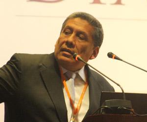 Presidente del COES, César Butrón