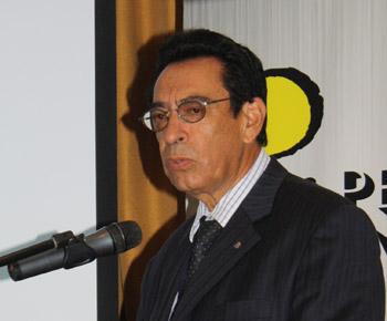 Edgar Gonzáles de la Dirección de Fondos Concursables del ministerio de Energía y Minas.