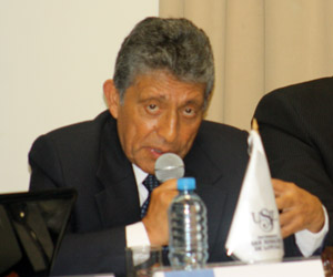 Presidente  regional de  Arequipa Juan Manuel Guillén