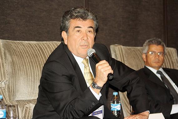 Carlos Monges