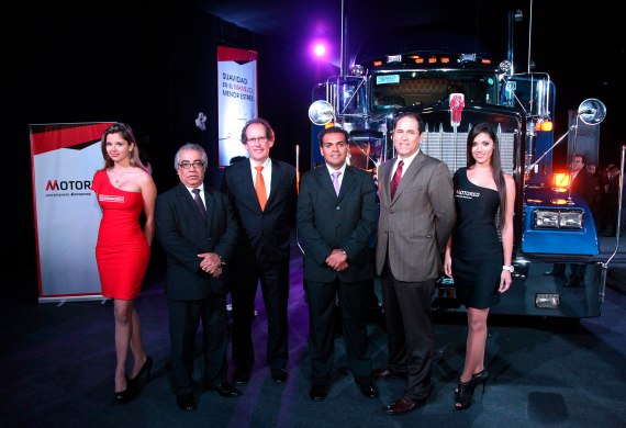 Luis Bracamonte (Director de Ferreycorp), Henri Borit (Gerente General de Motored), Christopher Stucchi (Gerente Comercial de Motored), Eduardo Duhamel Cabero (Gerente General de Ventas Latinoamérica Paccar).