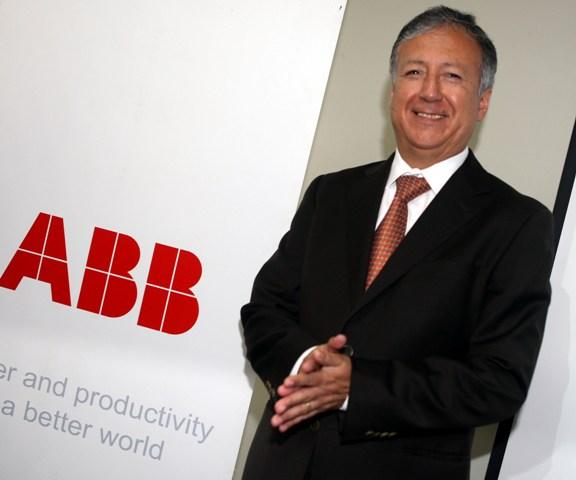 El Ing. Adolfo Samaniego, gerente general de ABB en Perú, explicó el crecimiento alcanzado por la compañía en los últimos años y expuso nuevas incursiones en el sector petroquímico, portuario y tratamiento de agua en el sector minero.