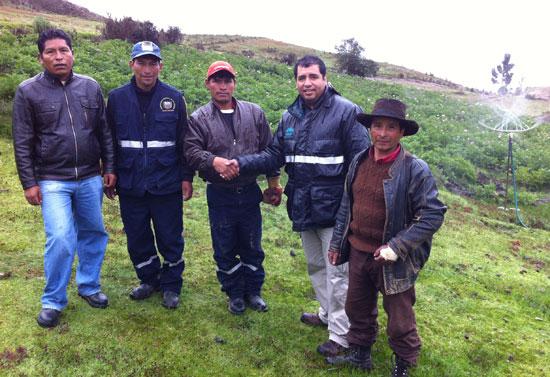 Representantes del Centro Poblado de Pujún junto con Edwin Gomez de Antamina.