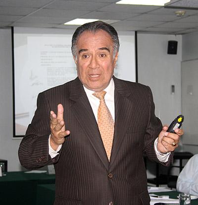 Carlos Vives, Gerente de Protección Ambiental y Relaciones Comunitarias de Perupetro.