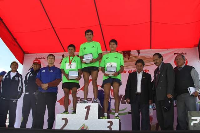 Jhon Cusi ganador en categoría profesionales
