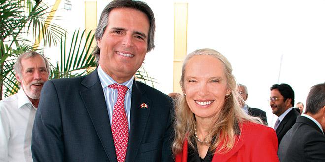 José Tudela Chopitea junto a la Excma. Embajadora Patricia Fortier.