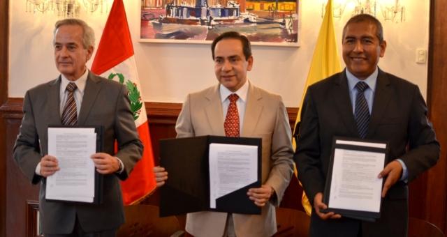 Firma de convenio entre Telefonica y EMILIMA
