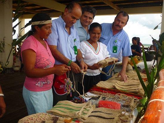 Petroperú promueve taller de capacitación en tejidos