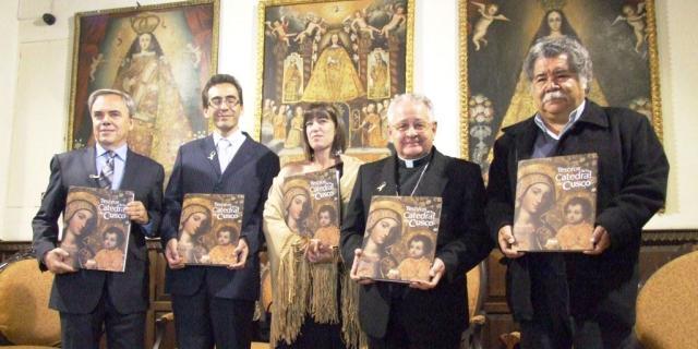Telefónica presentó el libro Los Tesoros de la Catedral del Cusco