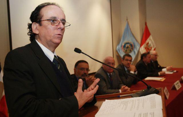 José De Echave