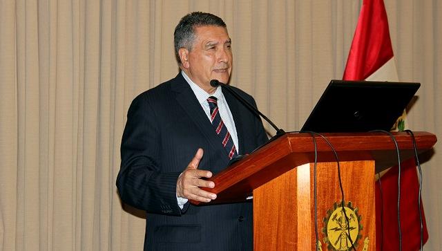 Dr. Edmundo Tulcanaza