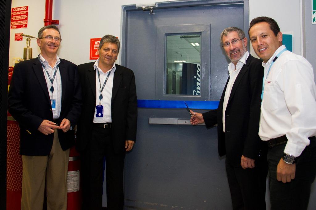 Ejecutivos de Telefonica Grandes Empresas en Data Center de Monterrico
