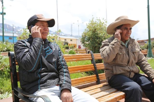 DISTRITO DE LAYO ACCEDE A SERVICIOS DE TELECOMUNICACIONES