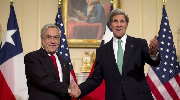 El secretario de Estado de EEUU John Kerry con el presidente de Chile Sebastián Pinera