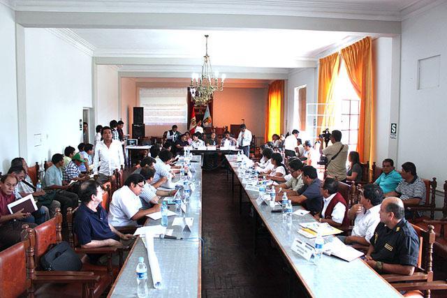 mesa-de-dialogo-canaris