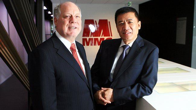 Andrew Michelmore, CEO de Minmetals  junto a Zhou Zhongshu, Presidente de China Minmetals. (Foto: The Australian)