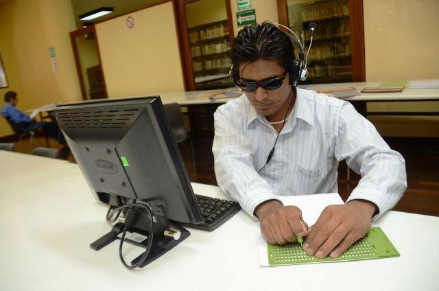 Miraflores implementa servicios informativospara personas con discapacidad visual
