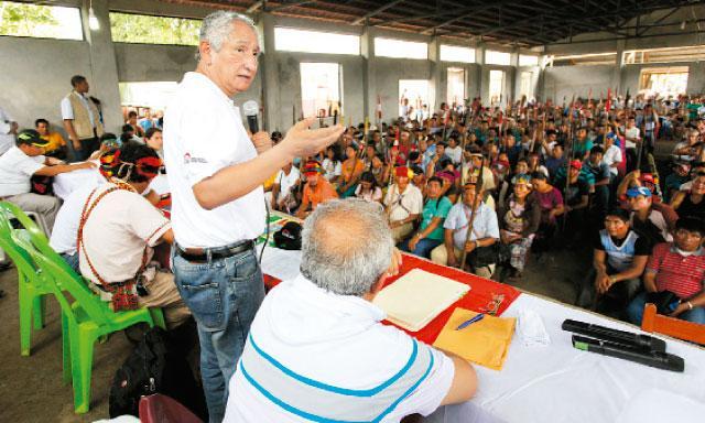 Andoas. La propuesta del premier René Cornejo de iniciar inmediatamente las mesas de trabajo fue el primer paso para convencer a los comuneros.
