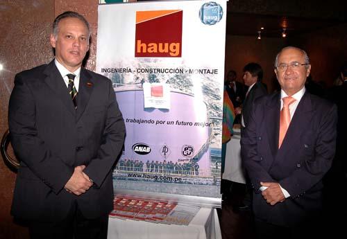 Ing. Juan B. Delgado (Gerente Comercial) e Ing. Humberto Palma Valderrama (Presidente del Directorio).