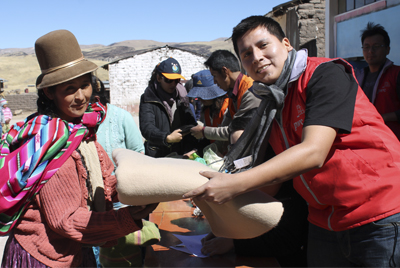 PwC Perú junto con United Way beneficiaron a más de 160 familias en Puno, Cusco y Lima