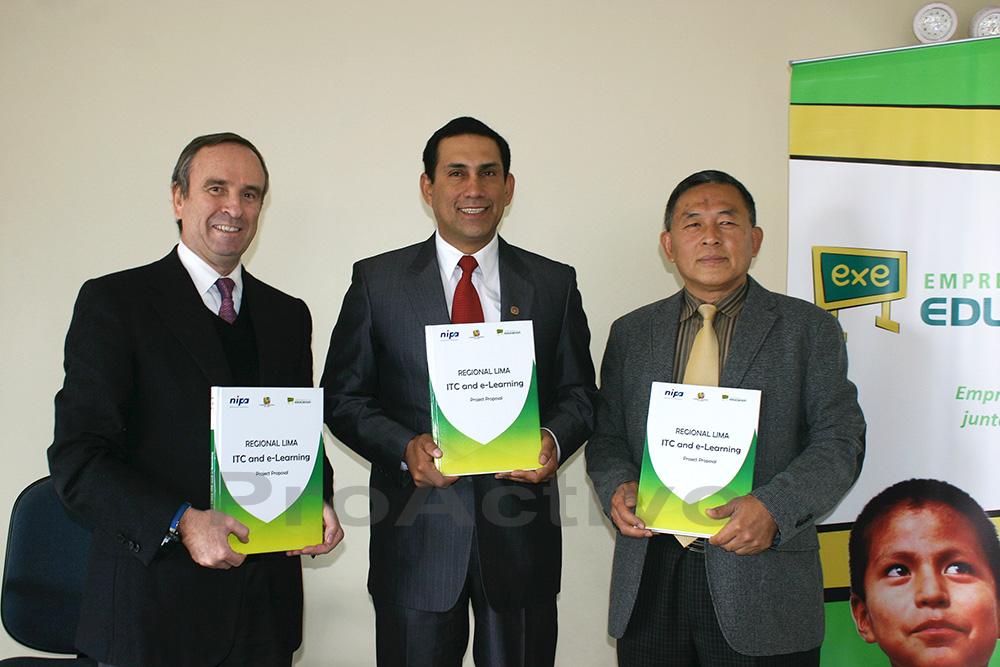 Alberto Cabello, Javier Alvarado y Dr. Jaeboo Oh