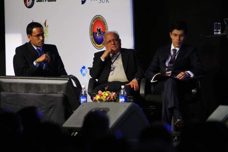 """""""Minería y Arequipa"""" en el VIII encuentro de CARA 2014. (Foto: Josue Ramos)"""
