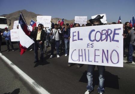 Imagen de archivo de trabajadores de minera Escondida en una marcha en Antofagasta
