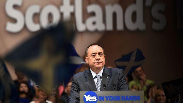 El político dejó también su cargo como presidente del Partido Nacional Escocés (SNP). (Foto: Reuters)