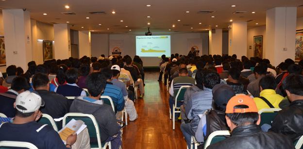 Club de Operadores Ferreyros realizó en Cusco seminario  gratuito de aplicación de maquinaria Caterpillar