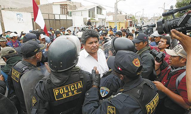 POSICIÓN RADICAL. Jaime de la Cruz promovió marchas contra el proyecto cuando era dirigente, su postura no ha cambiado. (Manuel Berrios/La República)