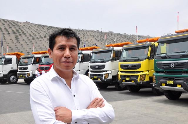 Camiones Volvo hace entrega de 10 unidades a Zafiro Equipos y Servicios