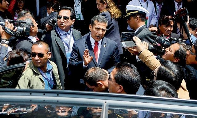 Despidieron a Ollanta Humala con abucheos. (Sharon Castellanos/La República)