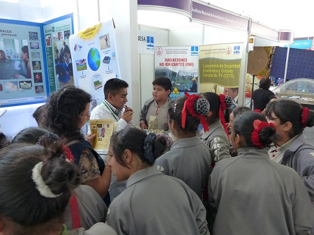 """INGEMMET participó en """"Perú con Ciencia -2014"""""""
