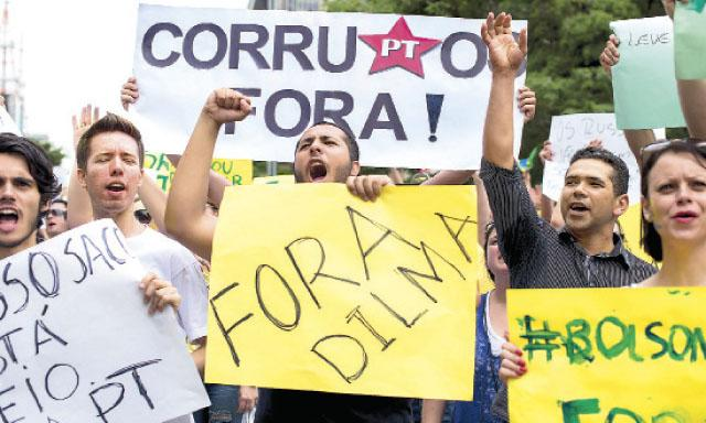 PROTESTAS. Manifestantes expresan cada vez más reclamos contra la presidenta Rousseff.