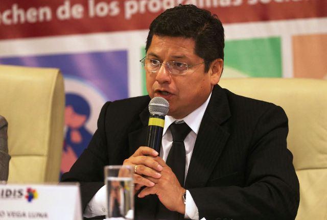 Eduardo Vega Luna, Defensor del Pueblo (Andina)