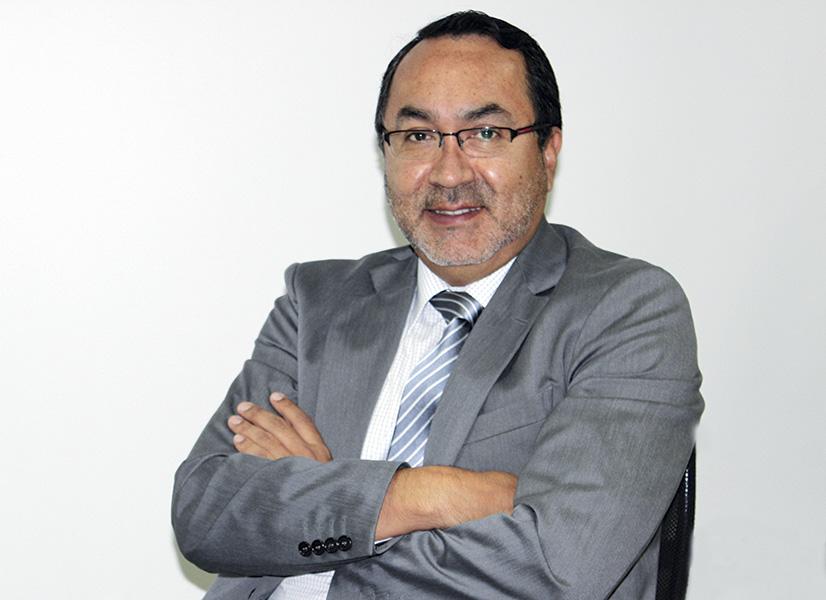 Álvaro Díaz, Vicepresidene de Asesoría General y Jurídica de Bear Creek
