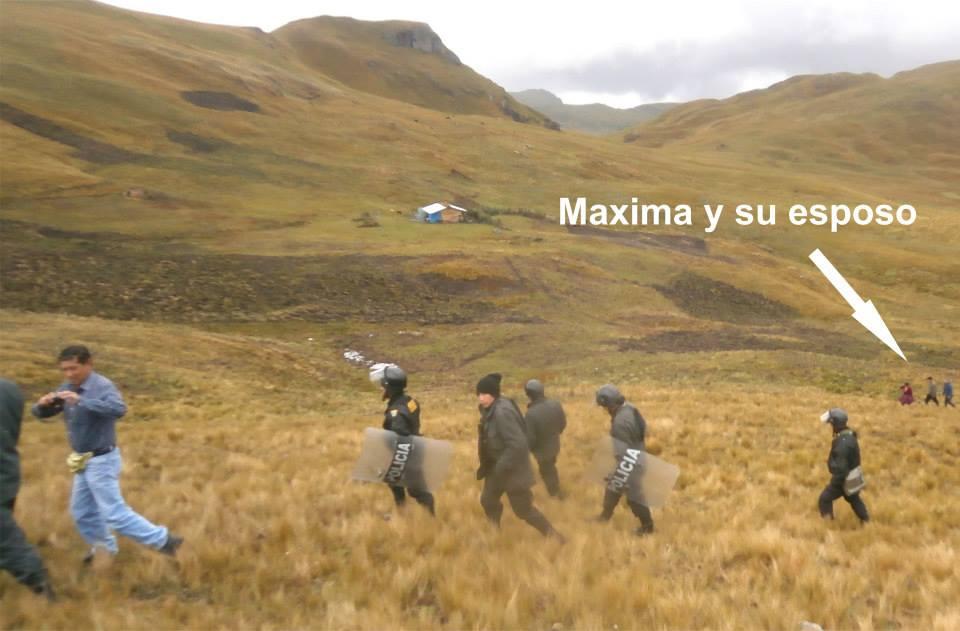 Maxima Acuña 3