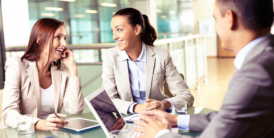 Una buena relación es fundamental en el clima laboral y reduce los índices de rotación, según Adecco.(Foto: Shutterstock)