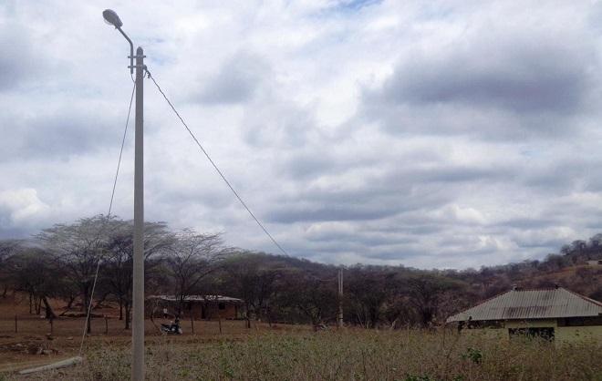 El Ministerio de Energía y Minas inauguró obras de electrificación que benefician a siete caseríos del distrito piurano de Suyo. (FOTO: ANDINA)