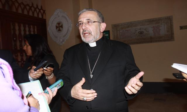 Arequipa-arzobispo Javier del Rio Alba