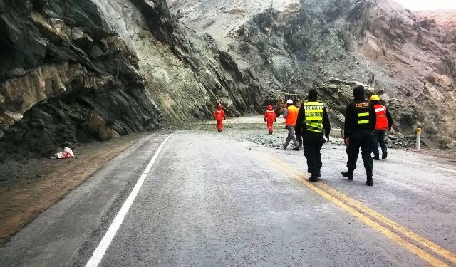 Arequipa tránsito vehicular en la Panamericana Sur se normalizó