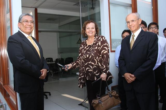 Ministra Ortiz inaugura primera etapa de modernización del centro de control del COES