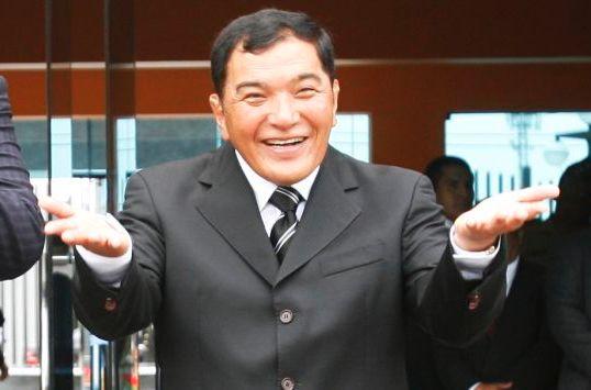 Augusto Miyashiro ha sido electo alcalde del Distrito de Chorrillos en 4 periodos (1996-2001, 2002-2006, 2007-2010, 2011-2014 y 2015-2018).