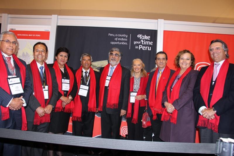 inauguracion stand Perú PDAC 2015