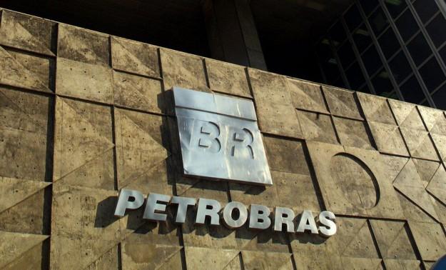 8130d71e6ca1c UU. y Brasil multaron a Petrobras por más de US  853 millones por pagar  sobornos a políticos de ese país y a partidos políticos, anunció el  departamento de ...