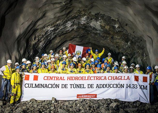 Culminan excavación del túnel de aducción de 14.33 kilómetros de longitud. En abril del 2014 conectaron los primeros dos frentes de excavación, permitiendo la conexión de 2 mil 401 metros de longitud.(Foto: Correo)