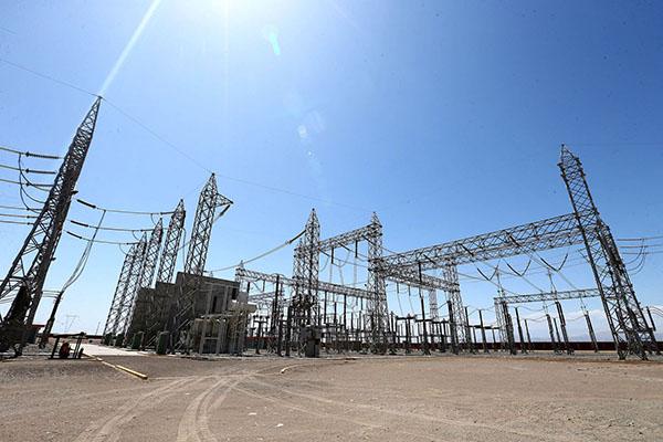 Jefe del Estado participa en inauguración de central termoeléctrica en Cañete